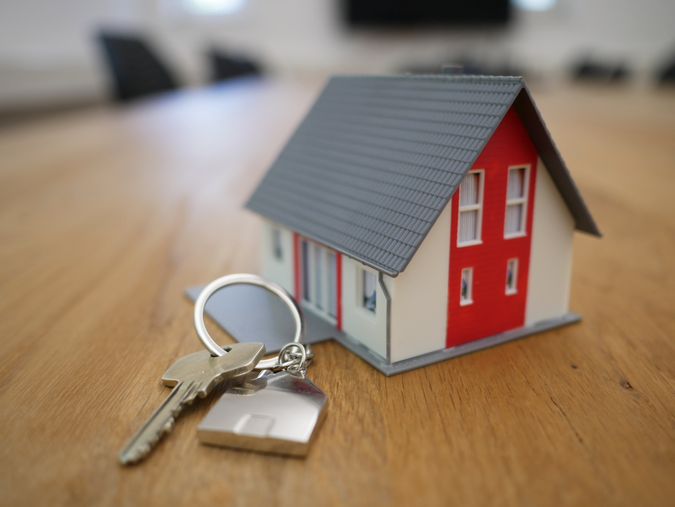 factors to consider when deciding for rent vs mortgage option.